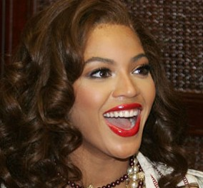 beyonce_red